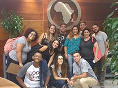Na Agência de Propaganda África, a recepção foi organizada pela diretora de Recursos Humanos, Márcia Oliveira, e os alunos visitaram setores como Atendimento, Planejamento, Pesquisa, Mídia, Criação e Produção